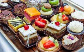 desert, prăjituri, fel de mâncare făcut, cremă, ciocolată, glazură, fruct, BERRY, nuci, căpșune, kiwi, dulce