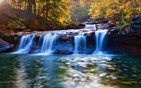река, водопад, припода