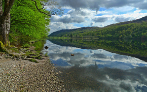 Шотландское Высокогорье, горы, река, берег, пейзаж