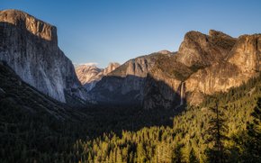 Yosemite Tunnel View, Bridalveil Falls, Yosemite National Park, California, USA