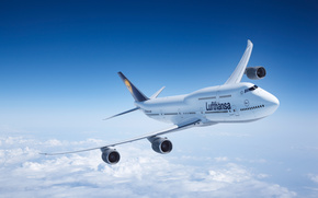 Самолет, Боинг, Boeing, авиалайнер, Lufthansa, небо, облака, крен