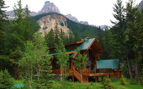 Cathedral Mountain Lodge, Yoho National Park, Alberta, Canada