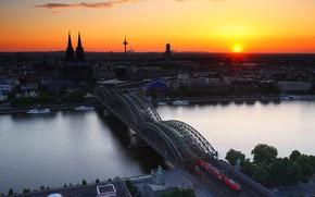 Catedral de Colonia en el crepúsculo, Alemania, puesta del sol
