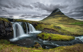 Mountain Kirkjufell, Islanda, cascata