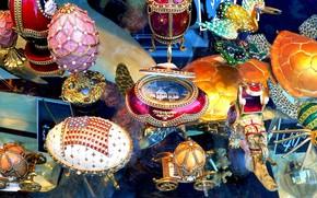 Красочные Изделия, Окна магазина в Сан-Франциско, Красиво украшенные яйца в стиле Фаберже