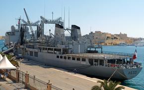 Marina Francese. Classe Durance nave rifornimento multidisciplinare, A630-Marne, ormeggiata nel Grand Harbour, Malta.