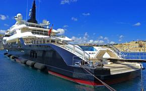 In 82metre (269ft) Yacht Alfa Nero, ormeggiate nel Marina Vittoriosa, Malta
