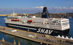 In SNAV nave traghetto Snav Toscana a Malta, come parte degli sforzi di evacuazione dei lavoratori stranieri dalla Libia, E