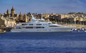 In 77 milioni (253ft) yacht Samar, ormeggiata nel Grand Harbour, Malta
