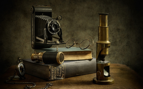 Libros, microscopio, gafas, entomólogo