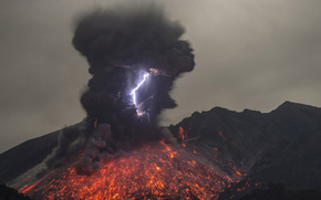 Volcanic Lightning, Mt. Sakurajima, japan