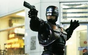 Peter Weller, Robocop, pistola
