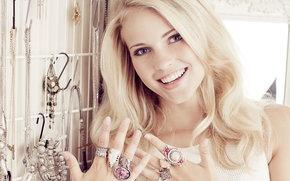 Emilie Nereng, weiße Schönheit, blond