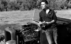 машина, Колтон Хэйнс, черно-белое, брюнет, парень, мужчина
