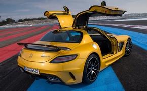 Мерседес, Mercedes, вид сзади, желтый, АМГ, двери