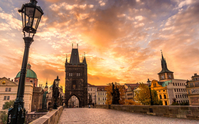 небо, скульптуры, брусчатка, мост, осень, закат, город, Карлов мост, архитектура, Чехия, Прага, облака, Чешская Республика