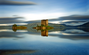 Scotland, Castle Stalker, island
