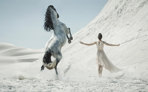 конь, девушка, песок, пустыня, кнут