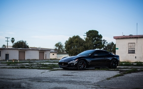деревья, чёрные диски, мазерати, страдале, чёрный, вид сбоку, дома, грантуризмо, Maserati
