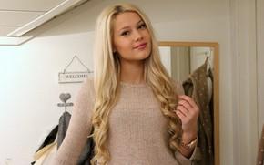 Erica Mohn Kvam, bellezza bianco, biondo