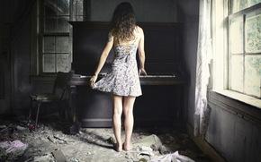 chica, piano, Música