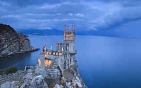 Crimea, costa, Nido di rondine, sera