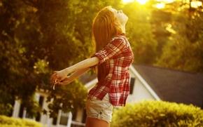 волосы, девушка, рубашка, солнце, закат, свет, шорты
