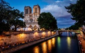 люди, мост, вечер, Собор Парижской Богоматери, Париж, город, фонари, Сена, деревья, свет, архитектура, река, Франция, Нотр-Дам-де-Пари, облака