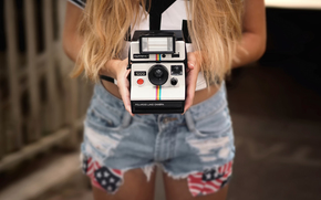 камера, шорты, руки, Hi-Tech