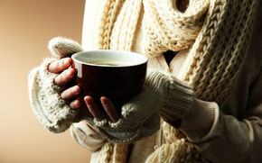 background, Widescreen, fullscreen, Widescreen, Mood, winter, hands, wallpaper, girl, knitted, cup, heat, Scarf, mug