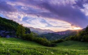 paesaggio, PENDENZA, erba, Montagne, tramonto, nuvole, verdi, alberi, cielo