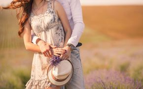 love, degradation, watch, Mood, fullscreen, girl, field, couple, dress, guy, wallpaper, background, Flowers, woman, Widescreen, Widescreen, heat, couple, flowers, hat, floret, man, hug