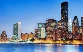 Манхэттен, город, Ист-Ривер, США, Нью-Йорк, огни, здания, высотки, вечер, небоскребы, дома, река