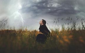 chica, elemento, viento borrascoso, campo, relámpago
