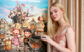 press conference, Family of monsters, Elle Fanning
