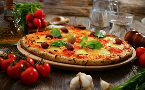 garlic, pizza, cheese, olives, water, radish, dish, food, oil, tomatoes, vegetables
