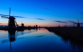 мельницы, гладь, отражение, Нидерланды, облака, река, вода, небо, вечер, закат