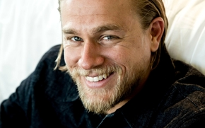 man, actor, smile, blond, Charlie Hunnam, face