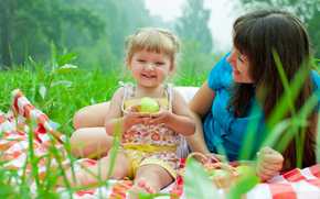 baby and mother, picnic, smiling