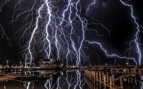Breakwater, Майами-Бич, США, молния