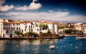 Cadaques, Catalonia, Spain, Mediterranean Sea, Кадакес, Каталония, Испания, Средиземное море, море, гавань, лодки, набережная, здания, панорама