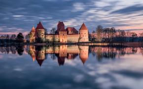 Trakai, Lithuania, Тракай, Литва, Тракайский замок, замок, озеро, отражение, закат