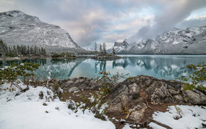 Lake Minnewanka, Canadian Rockies, Banff National Park, Alberta, Canada, Lake Minnevanka, Banff, Alberta, Canada, Canadian Rockies, lake, Mountains, reflection
