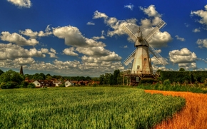 Lower Mill, Woodchurch, Kent, Inglaterra, Vudcherch, Kent, Inglaterra, molino, campo, nubes, pueblo