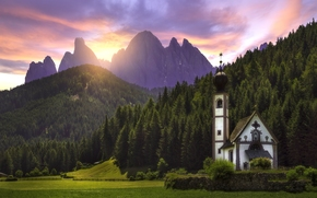 Santa Maddalena, Villnoss, South Tyrol, Italy, Dolomites, Santa Maddalena, Funes, South Tyrol, Italy, Dolomites, church, meadow, Mountains, forest, sunset