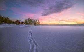 Norway, Рингерике, Ringerike, Норвегия, Lake ?yangen, озеро, зима, снег, следы, дом
