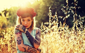 Refen Doe, girl, model, wreath, Roses, Flowers, tattoo, view, mood, grass