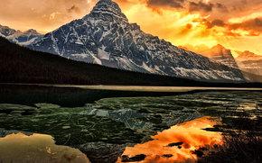 Lago Waterfowl, catena montuosa, Alberta, Canada