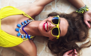 sorrir, alegria, humor, estilo, óculos, grinalda, colar, ornamentação