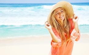 девушка, шляпа, рубашка, улыбка, настроение, море, лето